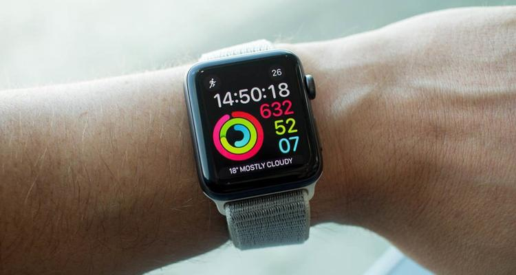 """APPLE WATCH"", ANCHE APPLE DICE LA SUA SUGLI SMARTWATCH"